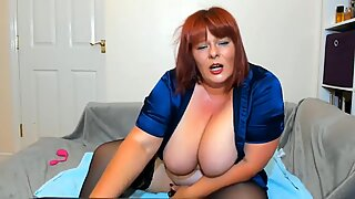 Fat Huge Boobs Mature BBW Masturbating