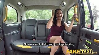 Falešné taxi Fast Fucking a Stříkání Dovnitř pro Peachy Zadek