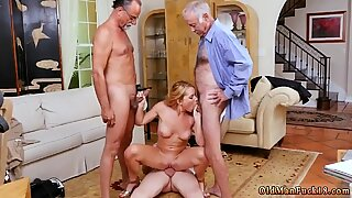 Frannkie and the gang tag team fucking blondýny - Raylin Ann