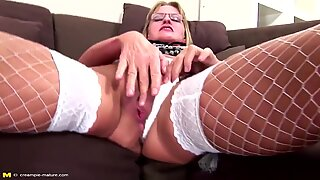 Mature slut mother fucked in ass creampied in pussy