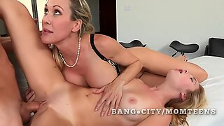 Teen gets sex lesson from milf