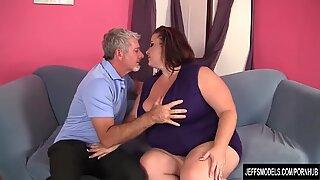 Mature plus-size woman Lynn gonzo fuck